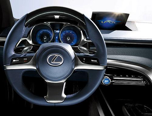 Dashboard of the Lexus LF-Ch concept car