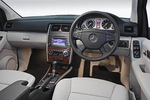 The Mercedes-Benz B 180 dashboard