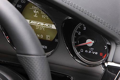 Mercedes Benz E 63 dashboard