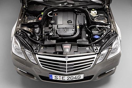 Mercedes Benz E 63 AMG engine