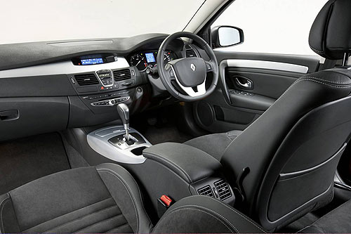 Front cabin space on the Renault Leguna