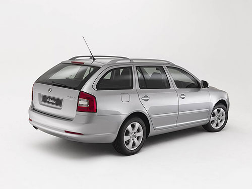 The rear of the Skoda Octavia Wagon