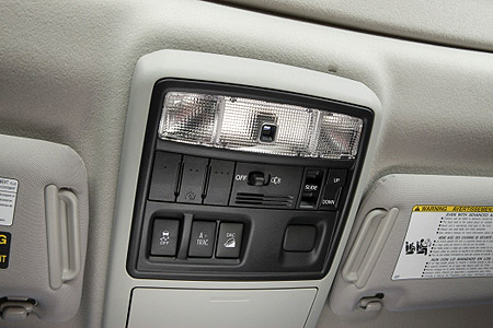 Added controls above the head of the driver in the 2009 Toyota 4Runner SR5