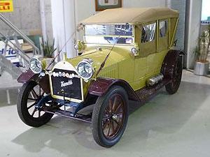 1913-hupmobile