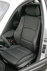 bmw-130i-seat