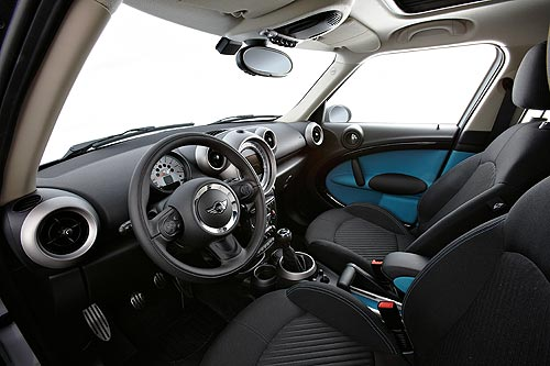 the driver's position in the MINI Countryman