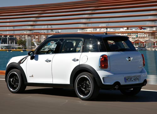 The rear view of the MINI Countryman