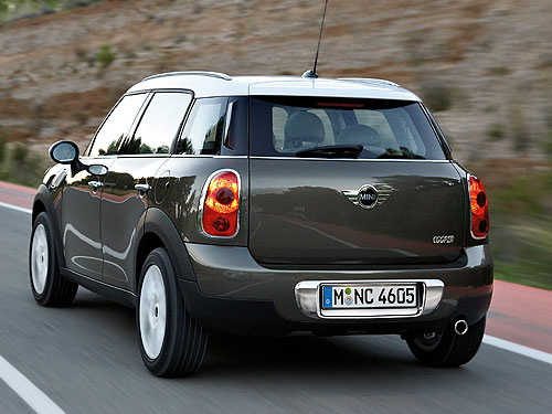 mini-countryman-rear-2