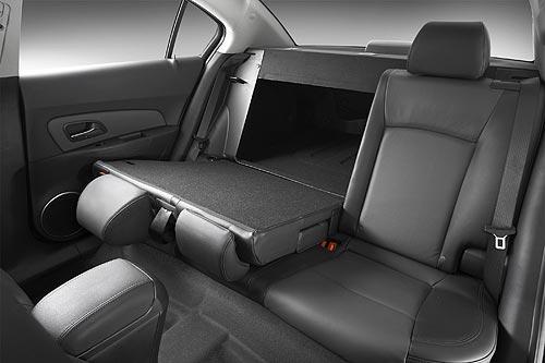 Holden Cruze Cdx. holden-cruze-interior2