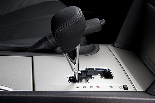 hybrid-camry-gear-selector