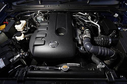 nissan-navara-dual-cab-engine