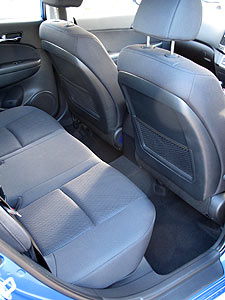 i30CW-rear-seats