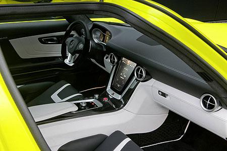 amg-e-cell-interior
