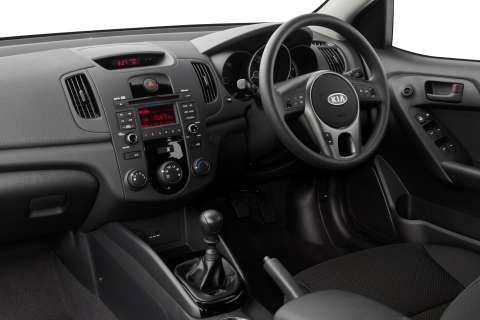 cerato-hatch-interior