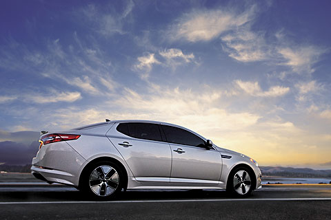 kia-optima-hybrid-side