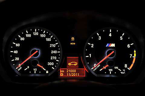 1-series-M-coupe-dash