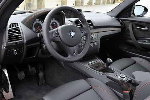 1-series-M-coupe-interior-2