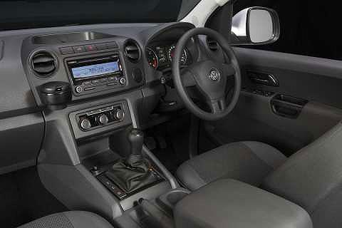 VW-amarok-interior-2