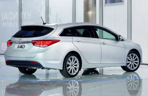 hyundai-i40-wagon-rear