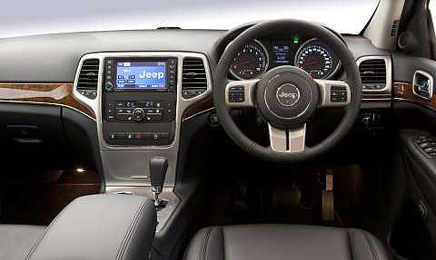 jeep-grand-cherokee-dashboard-2