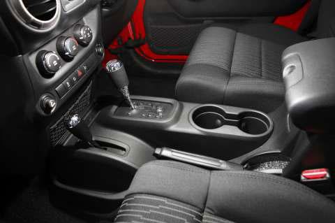 jeep-wrangler-interior-2