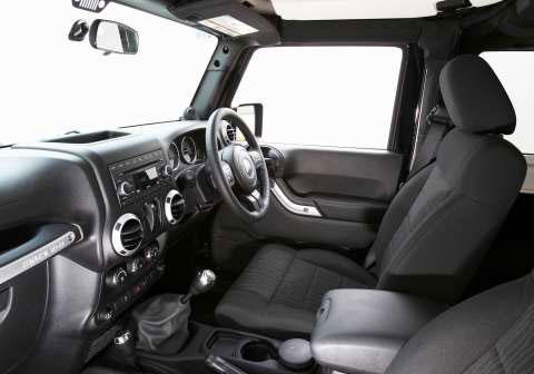 jeep-wrangler-interior
