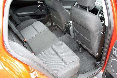 seriesII-sv6-sportwagon-interior-3