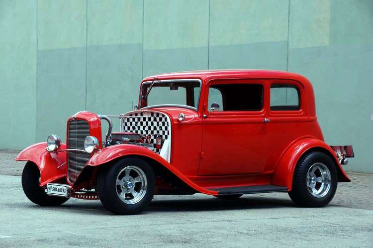 1932 Ford Victoria hot rod coupe