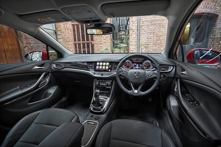 Astra Sportswagon interior